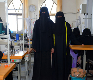 Yemen. Young seamstresses learn the tricks of the trade © GIZ