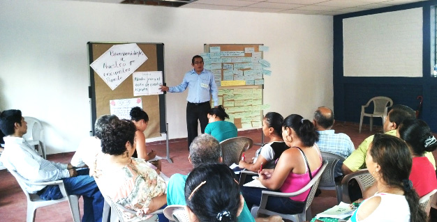 PREVENIR: Youth violence prevention in Central America. Training for teachers on Miles de Manos, the school violence prevention approach. © GIZ