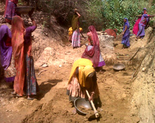 India. Almost half the beneficiaries of MGNREGA are women © GIZ