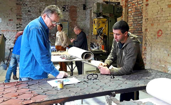 Ukraine. Restoration work and training in a workshop. © GIZ