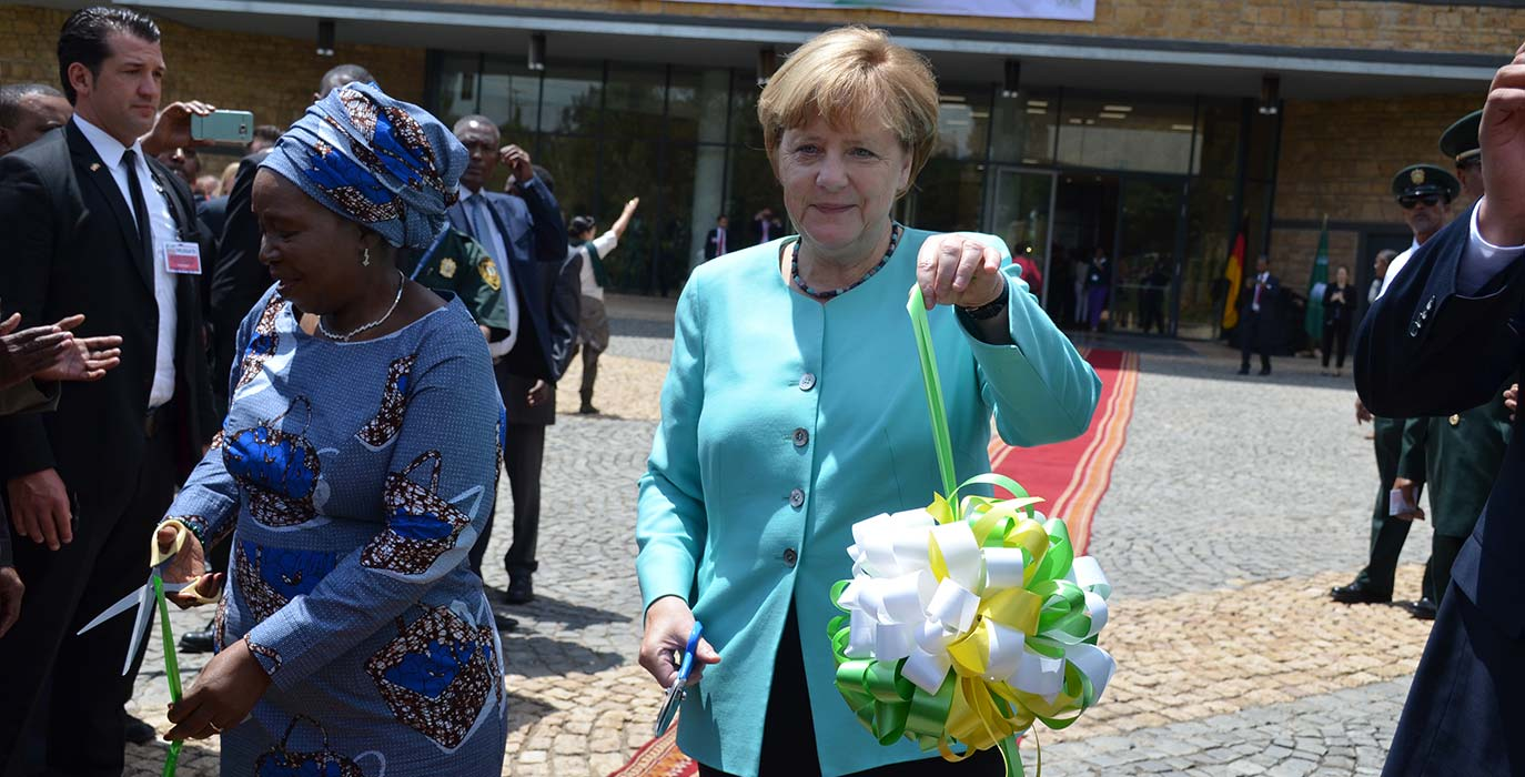 Dr. Nkosazana Dlamini-Zuma, Chairperson of the AU Commission, together with Germany's Chancellor Angela Merkel at the opening ceremony of the AU Peace and Security Building in Addis Ababa. Photo: Bundesregierung/Steins.